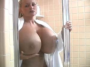 BB Gunns Shower Time