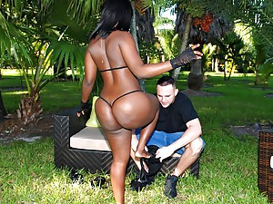 Phat Bootied Staxxx Gets Drilled