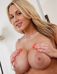 Voluptuous Blonde Alanah Rae Spreads Pussy