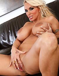 Milf pornstar touching body