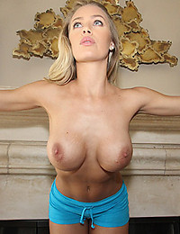 Saucy Nicole Enjoys Exposing Tight Body