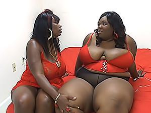 Hotblack BBW lesbians taste each other