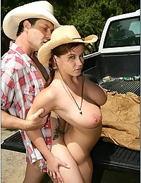 Sex In The Pickup Truck