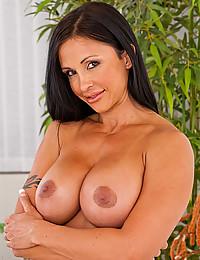 Fit pornstar with big tits