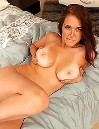 Hot Redhead Minx Chloe Taylor