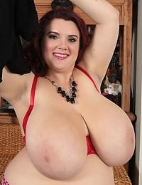 Proud of her BBW titties