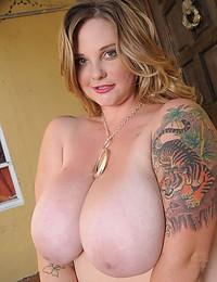 Tattooed fat girl sexy nudes
