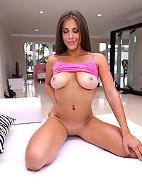 Horny Nia Milks Big Wang