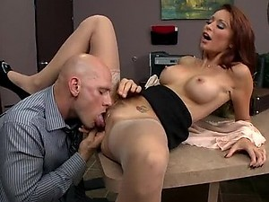Super Horny Brunette MILF Monique Alexander Gets Fucked and Facialized