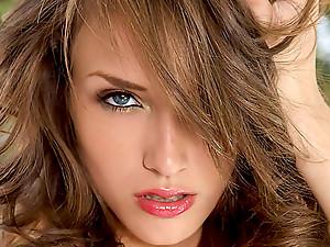Hot pussy banging brunette babe