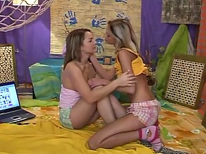Very Hot 18 Year-Old Lesbians