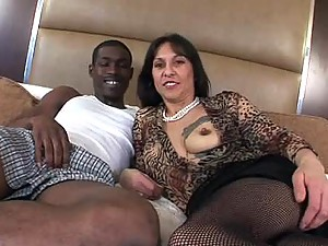 40yr Old Mature Cougar 1st Time Amateur Video