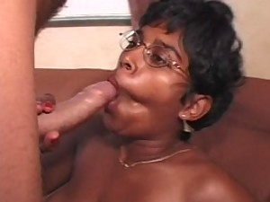 Aunty giving hot blow job