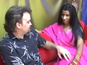 Desi girl giving very hot blowjob to her boyfriend